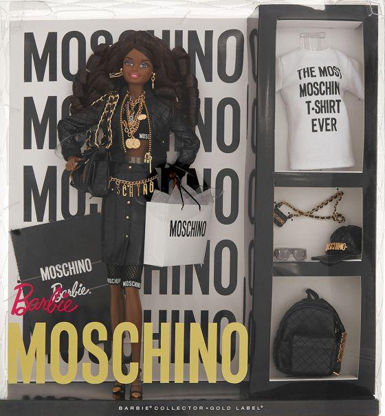 e5756bb05f7 Barbie completa su armario con prendas de Moschino