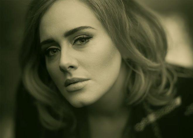 8 motivos por los que Adele es la anti-estrella del pop perfecta
