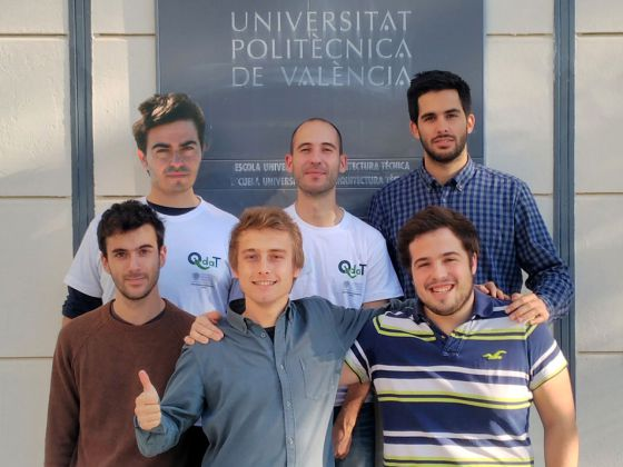 Los cinco universitarios de la UPV y su tutor seleccionados por Hyperloop