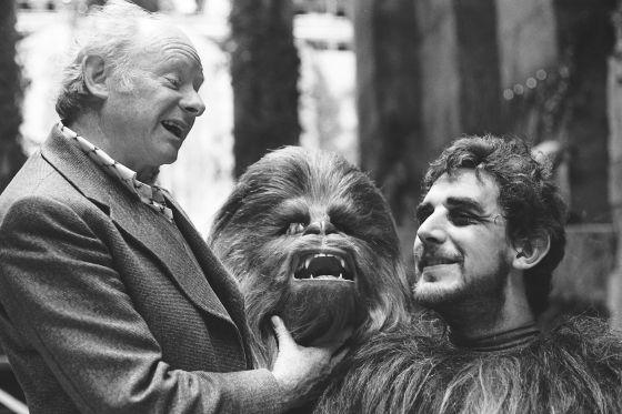 Ser un wookie cuesta. Que se lo digan a Peter Mayhew, que tuvo que aguantar el disfraz de Chewbacca.