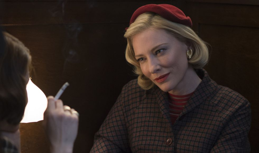 Cate Blanchett, a la derecha, y Rooney Mara en un fotograma de la escena de la pelicula 'Carol'.