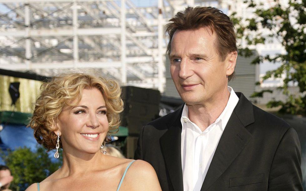 """Liam Neeson rehace su vida con una mujer """"increíblemente"""