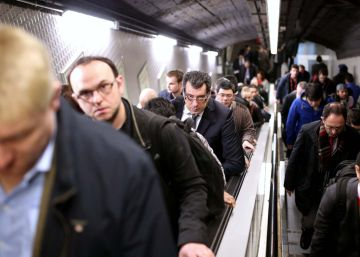 Mobile World Congress opens in Barcelona to subway strike