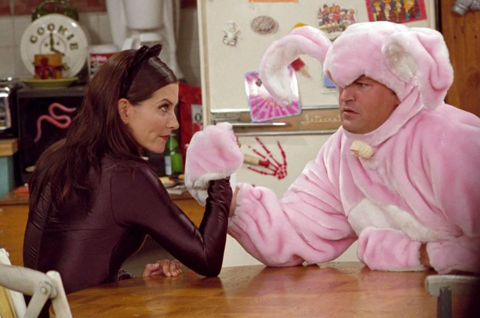 El Matrimonio Formado Por Monica Y Cheadler En Friends Demuestra Que La Vida Pareja Requiere De Paciencia Altas Dosis Humor