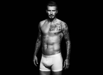 3dec1807aef5 David Beckham lleva unos boxer de la línea de ropa interior que diseñó para  H&M.