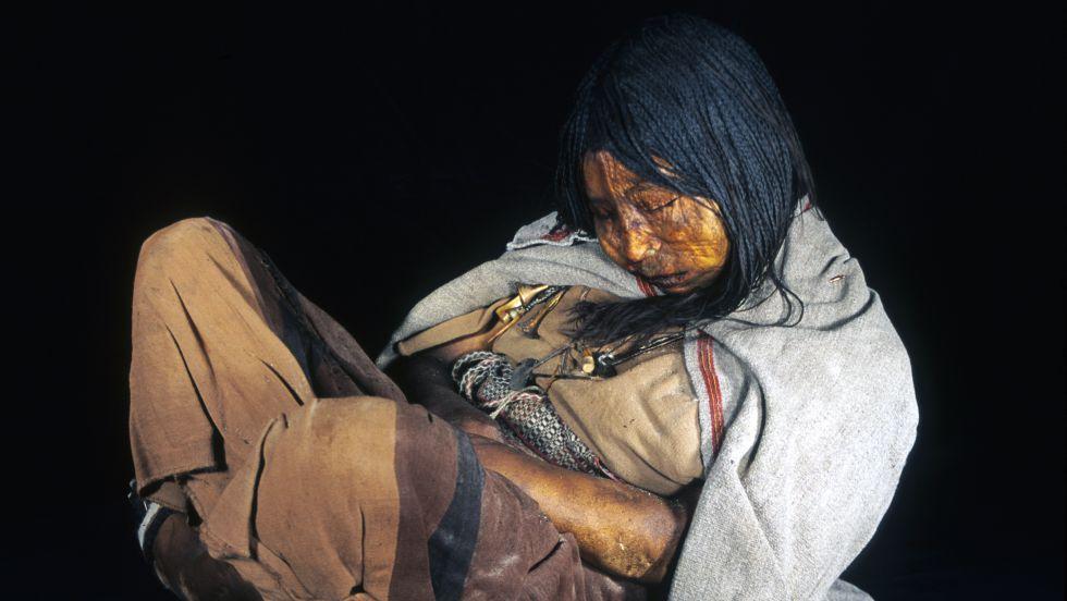 El ADN de momias aclara el exterminio de los primeros americanos tras la llegada de los españoles
