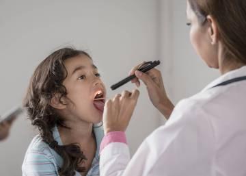 dolor de barriga en niños por la mañana