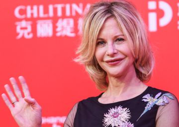 Meg Ryan sigue transformando su cara