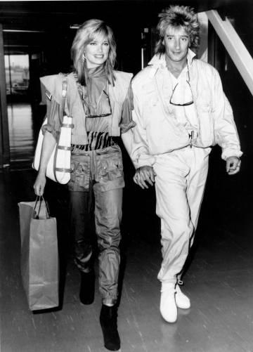 Rod Stewart en 1984 con su novia Kelly Emberg.