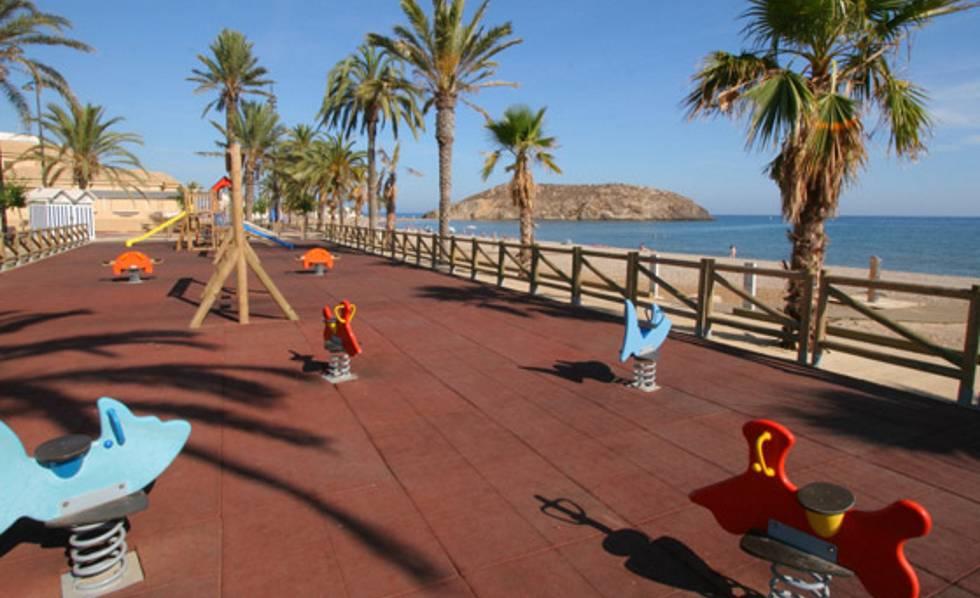 las mejores playas de espana para ir con bebes