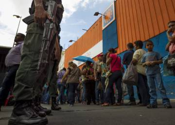 Venezuelan authorities close in on private sector