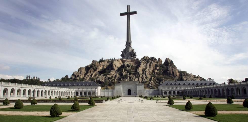 Vista panorámica de la basílica de la Santa Cruz del Valle de los Caídos.