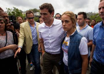 Head of Spanish emerging party Ciudadanos meets with the opposition in Caracas
