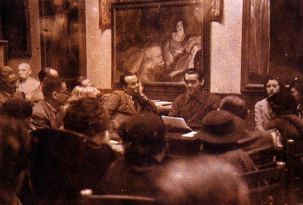 'Doña Rosita la soltera' fue una de las últimas obras que Lorca estrenó en vida. Fue en 1935. Semanas antes la compañía de Margarita Xirgu acudió a una lectura de la obra de teatro de la mano, y la voz, del poeta.