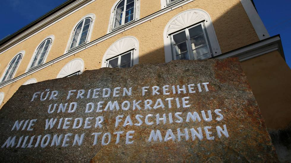 Casa natal de Adolf Hitler en Braunau, Austria. eptember 24, 2012.