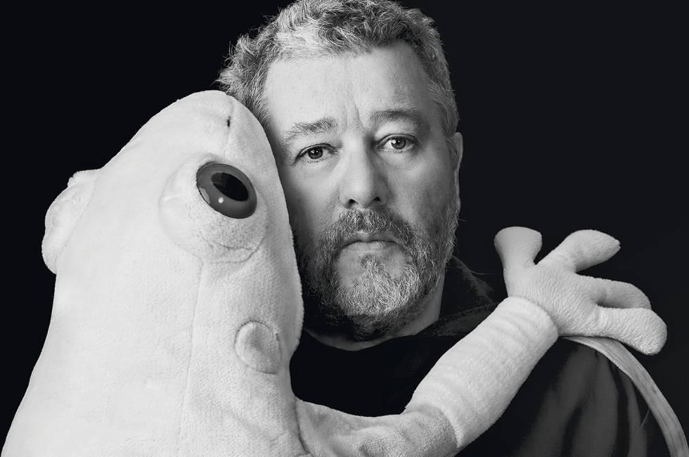 philippe starck diseador el diseador que conmovi al mundo con un exprimidor en forma de calamar