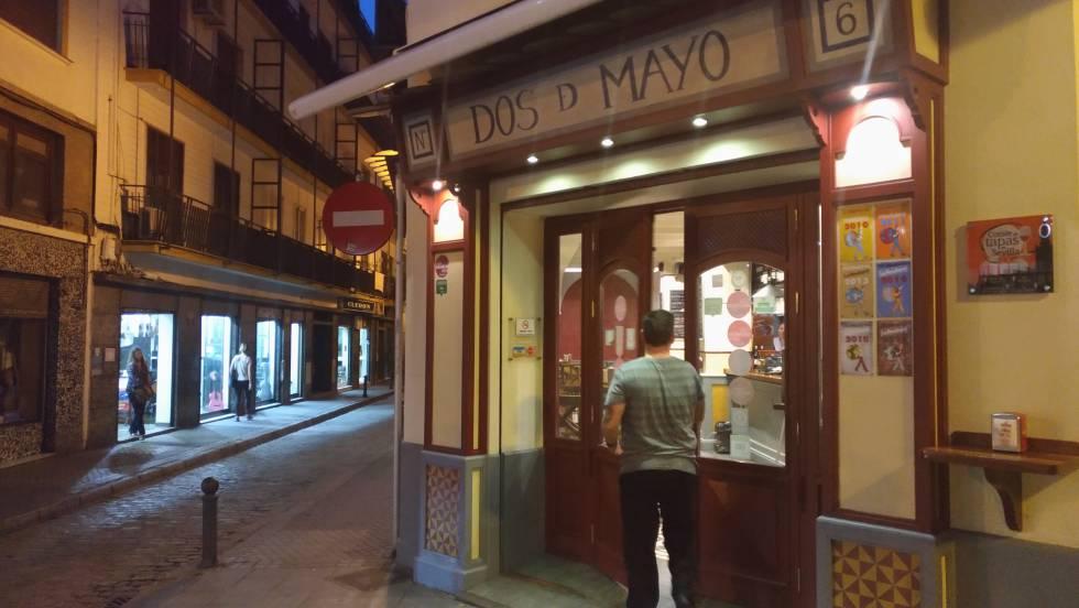 10 bares cojonudos de sevilla blog paco nadal el pa s for Bar madera sevilla