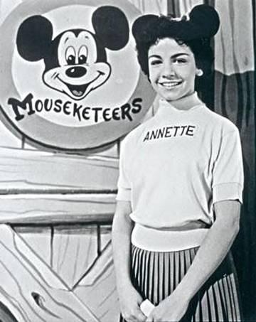 Annette Funicello, presentadora del programa de televisión 'The Mickey Mouse Club', con quien Dennis reconoció que tuvo sus primeras fantasías macabras.