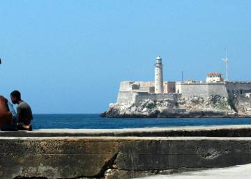 As Cuba thaw continues, authorities announce Wi-Fi plan for Havana's Malecón