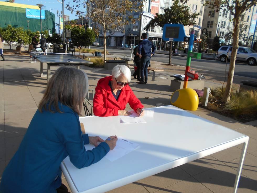 Proyecto de construcción de coworking público en la plaza Harvey Milk de la ciudad de Long Beach, el primero en todo Estados Unidos.