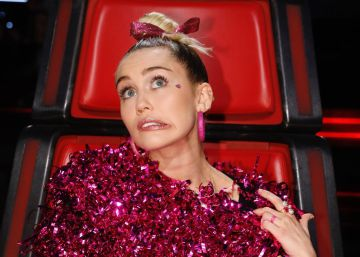 Miley Cyrus luce un vestido de Maria Escoté en 'The Voice'