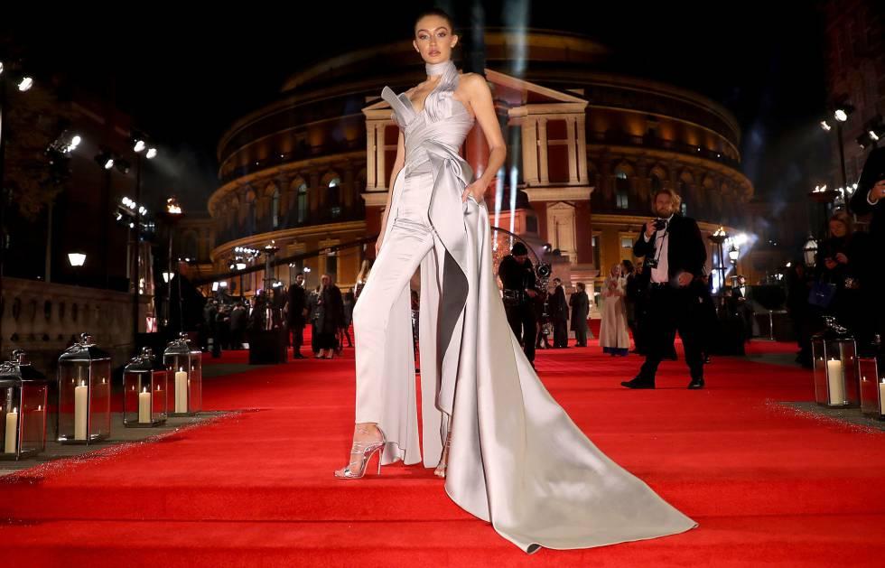 Gigi Hadid, en la alfombra roja de los Fashion Awards.
