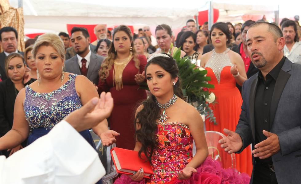 c7bc9619426e Rubí's 15th birthday party: The 15th birthday party in Mexico that ...
