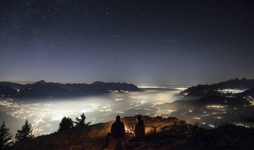 Vistas de la llanura de Chablais cerca de la ciudad de Bex, Suiza.