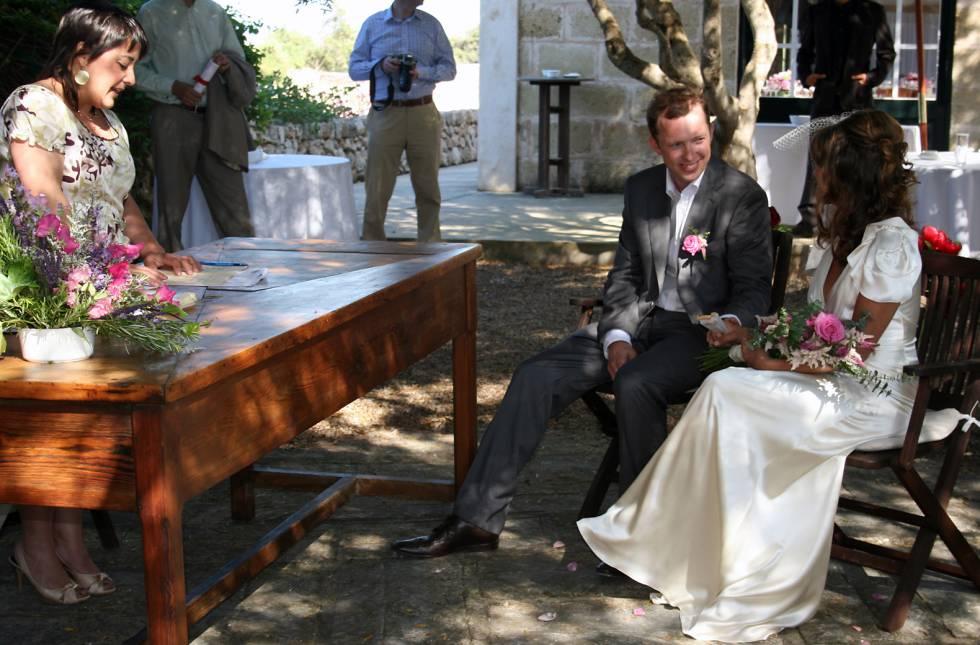 Matrimonio Catolico Por Segunda Vez : Matrimonio religioso cada vez menos bodas y aún