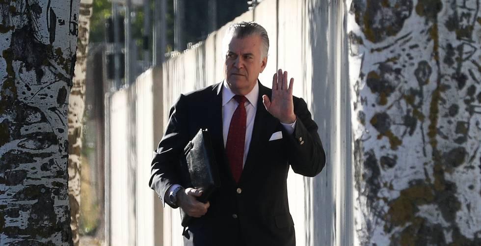 Luis Bárcenas, extesorero del PP, a su llegada a la sede de la Audiencia Nacional en San Fernando de Henares (Madrid)