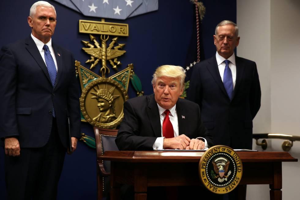 Resultado de imagen para tribunal supremo apoya veto migratorio de trump