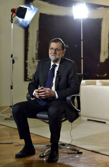Spanish Prime Minister Mariano Rajoy wants to put Madrid-Barcelona talks back in the spotlight.