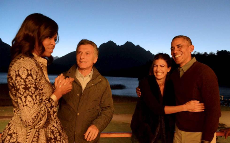 80ac1dfd47 El matrimonio Obama con el presidente argentino y su mujer