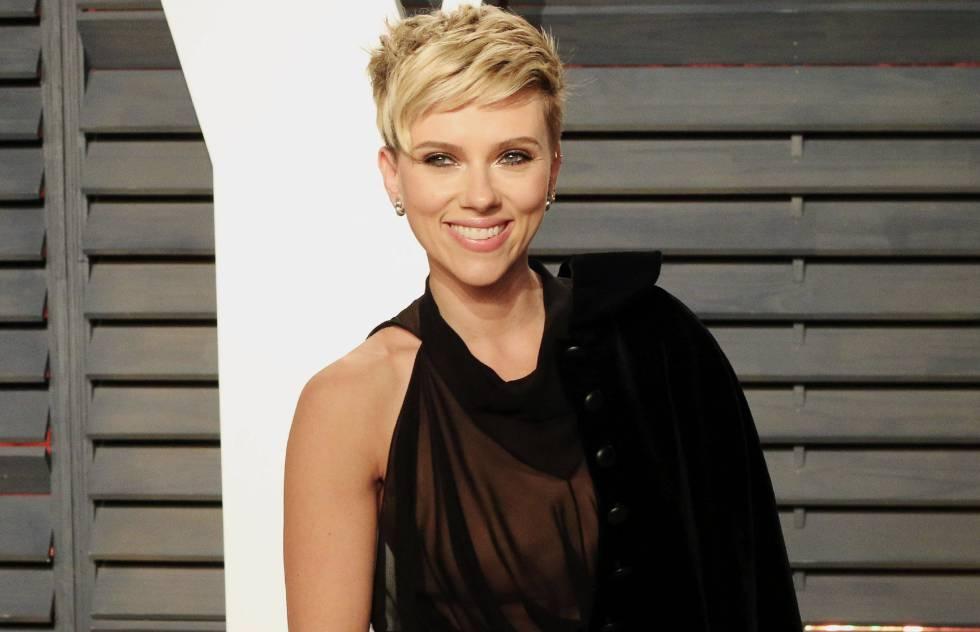 La actriz Scarlett Johansson, en una fiesta tras los Óscar de 2017. La actriz es una de las víctimas de vídeos falsos, algunos de ellos con más de 1,5 millones de reproducciones.