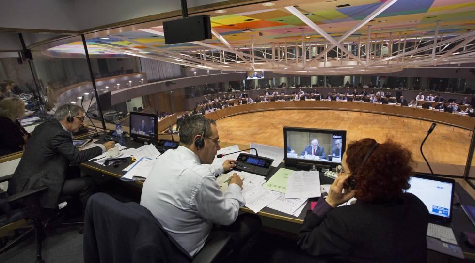 Cabina de intérpretes de la sala principal del edificio Europa en Bruselas.rn