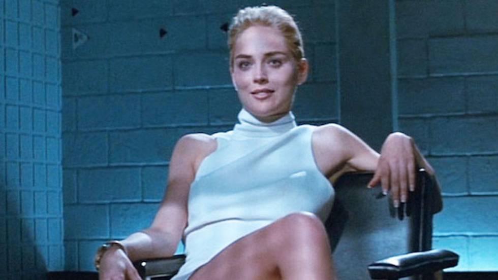 A famosa cruzada de pernas de Sharon Stone em 'Instinto Selvagem'.