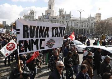 Madrid, Barcelona taxi drivers strike over Uber and Cabify