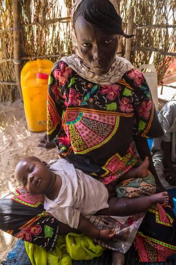 Allia Maloum, de 24 años y residente en el campo de refugiados de Magui (Chad), perdió a tres hijos por desnutrición.