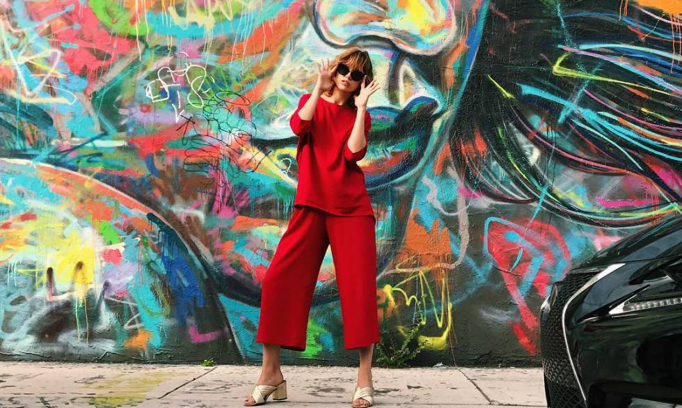 4e9bb9525 La actriz Úrsula Corberó, en una foto publicada en su Instagram para  promocionar una marca