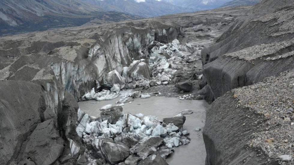 Resultado de imagem para Derretimento de geleira revela paisagem oculta durante 40 mil anos no Canadá fotos