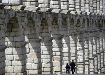 Age of Segovia aqueduct revised after discovery of ancient coin