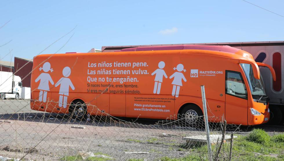 A bus with a transphobic message was impounded in Madrid.