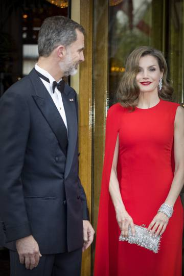 Vestido rojo letizia holanda