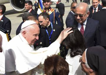 Pope Francis hints at new mediation initiative in Venezuela