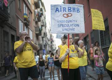 "Barcelona calls Airbnb's offer to limit apartment rentals ""a mockery"""