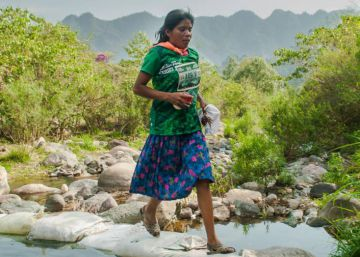 How a Tarahumara woman won a Mexican ultramarathon in sandals