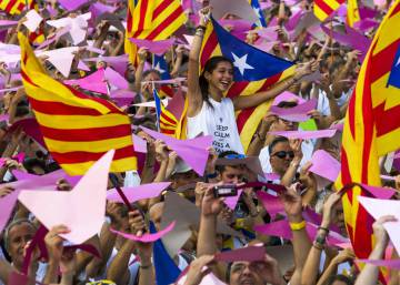 Over 60% of Catalans reject unilateral declaration of independence