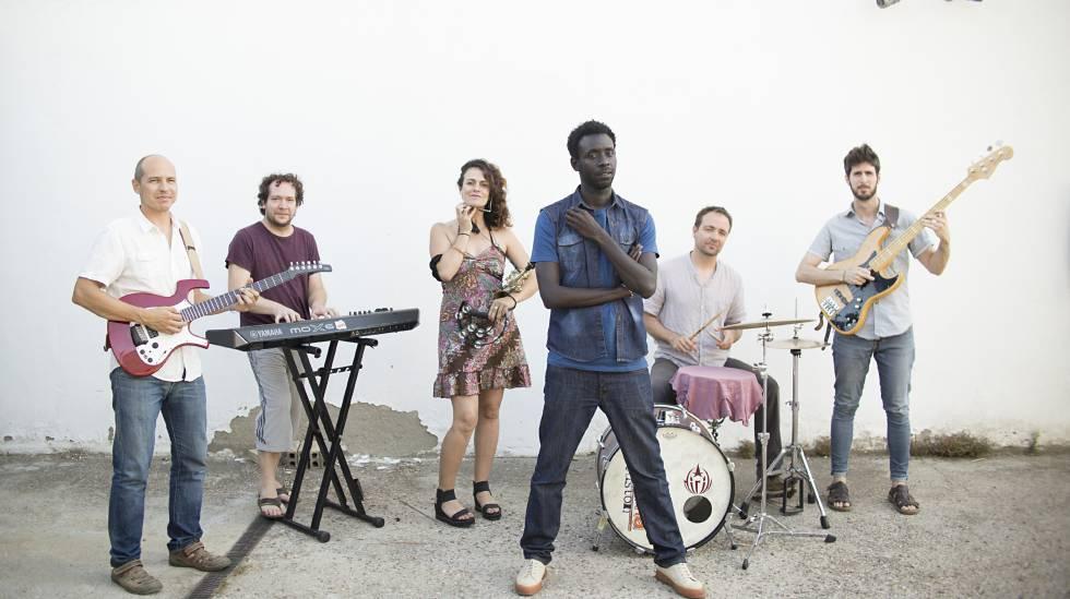 El grupo de música senegalo-andaluz One Pac & Fellows, en Sevilla.