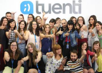 If you have photos on Spanish social network Tuenti, download them quick....