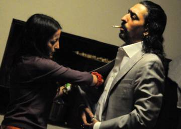 Flamenco star gives emotional concert just hours after wife's death